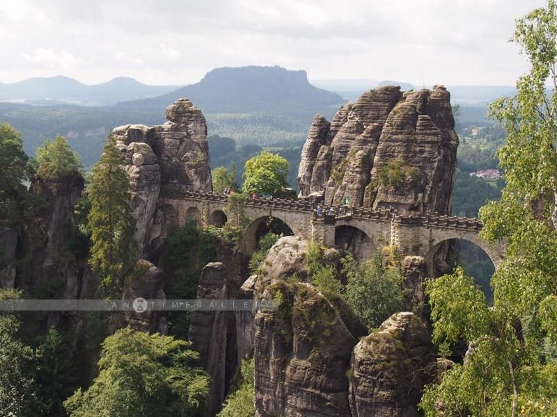 พากันเดินขึ้นเขาไป Bastei Bridge (Parents Duo Trip, June 2016)